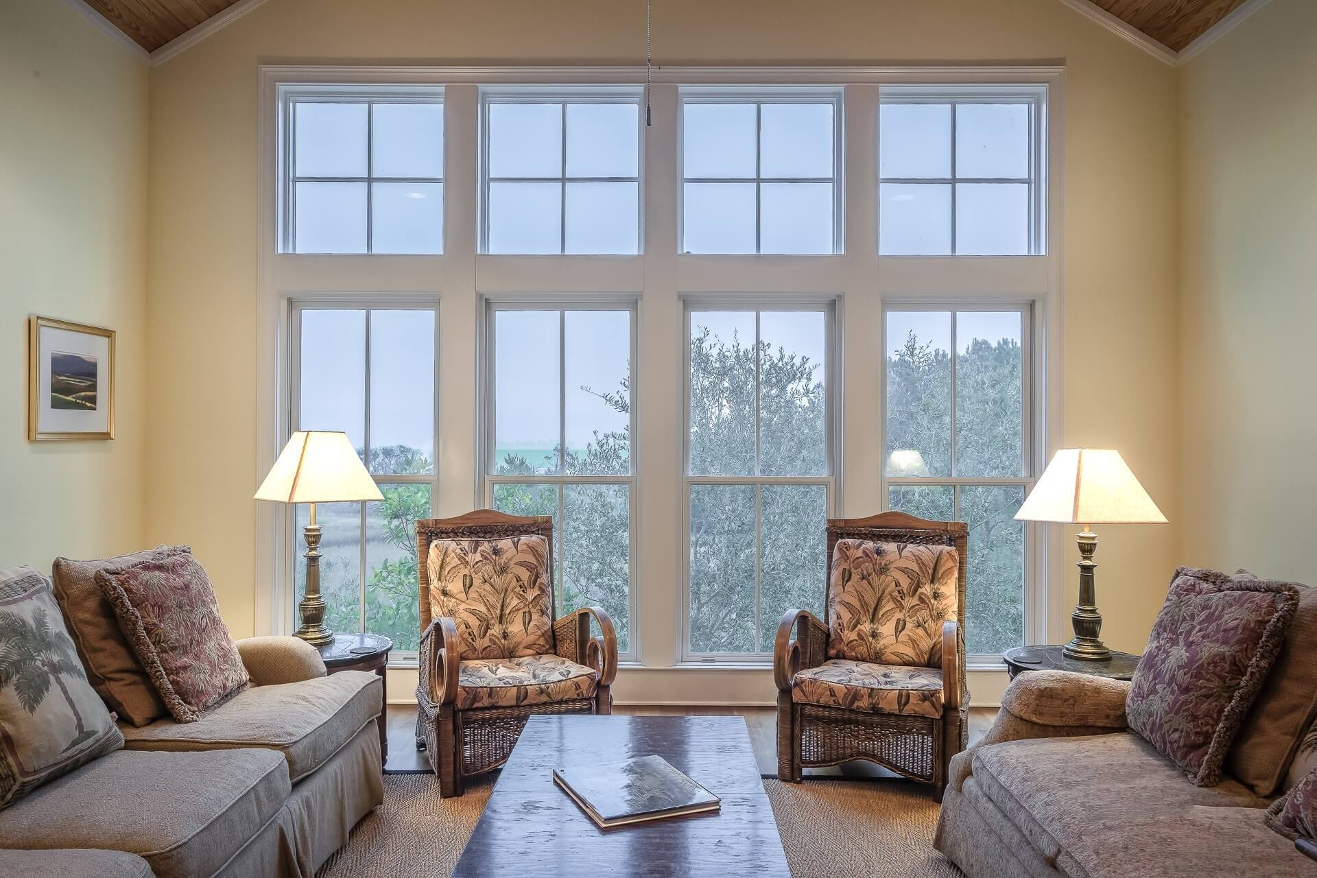 Custom vinly replacement windows by Restoration Windows provide ample light and beauty to any room